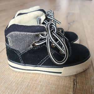 RUUM Black Jeffrey Hi-Top Sneakers